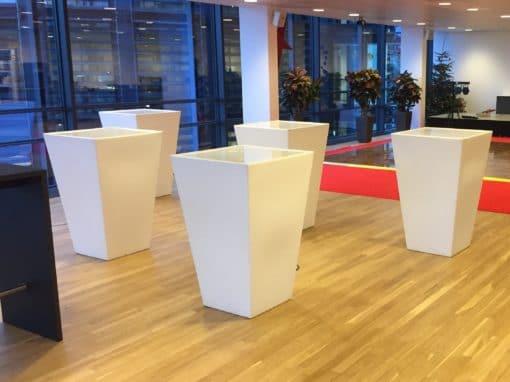 Barmodul - HVID - bordplade 70 x 70 cm. 110 cm høj - incl. rengøring Bordplade hvid acryl 3